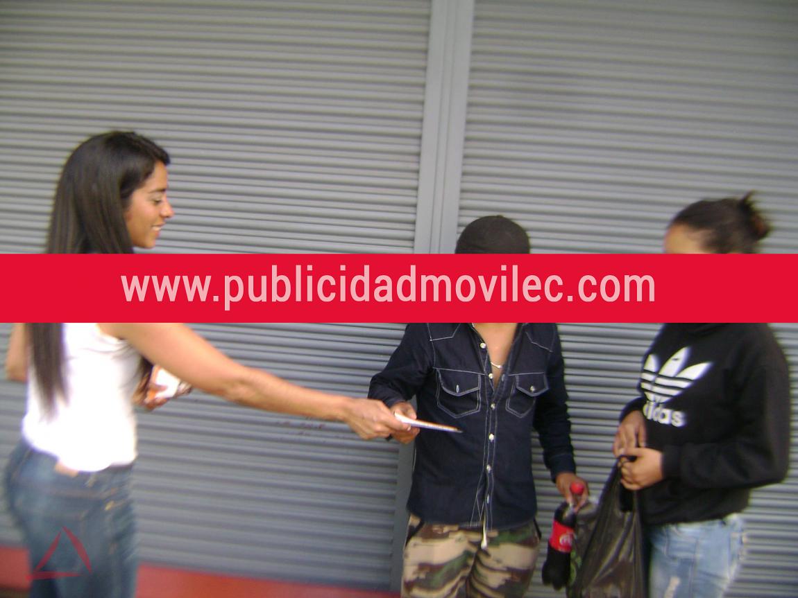 Campaña de volanteo para fundación Kolping Ecuador